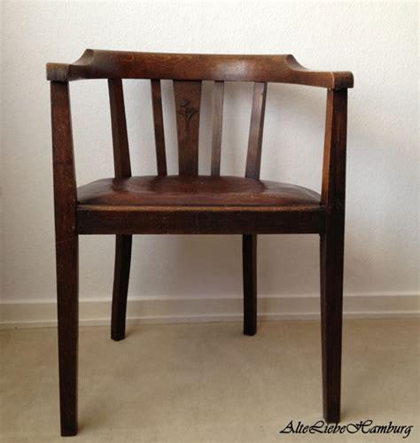 Alte Stühle Mit Armlehne holzstuhl alteliebehamburg 174