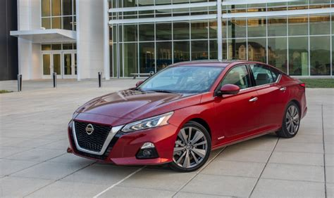 nissan altima  sr colors redesign release date