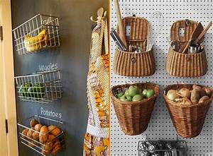 Küche Deko Wand : lebensmittel aufbewahrung ideen f r aufbewahrung koerbe wand deko stauraum kueche ~ Whattoseeinmadrid.com Haus und Dekorationen