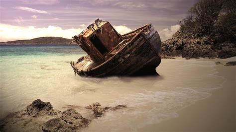 Boat Wreck Pictures by Shipwreck Wallpapers Wallpaper Cave