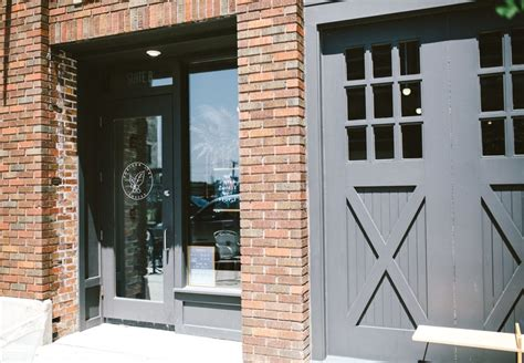 Horizon line coffee is a coffee bar and roastery located in the western gateway neighbourhood of downtown des moines. Horizon Line Coffee