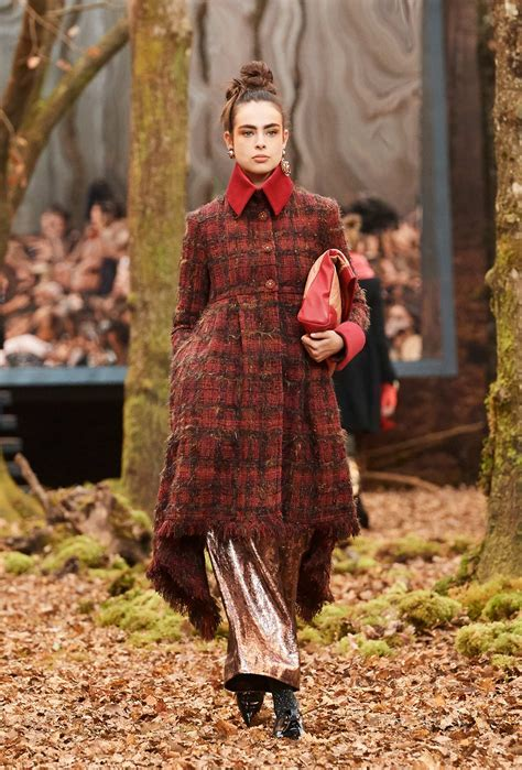 CHANEL FALL WINTER 2018 WOMENu0026#39;S COLLECTION | The Skinny Beep