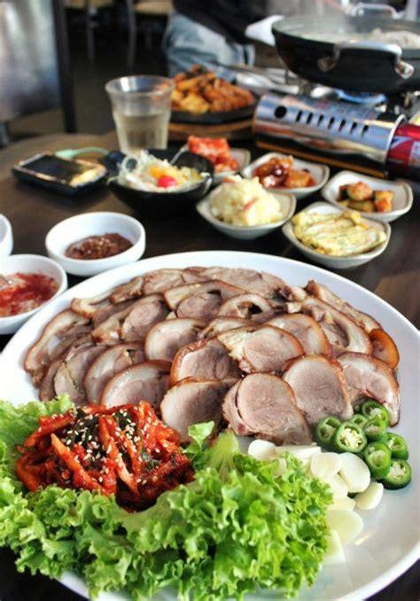 cuisine trotter jokbal boiled pork trotters food recipe