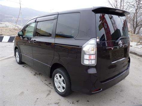 Toyota Voxy Photo by 2010 Toyota Voxy Pictures 2 0l Gasoline Automatic For Sale