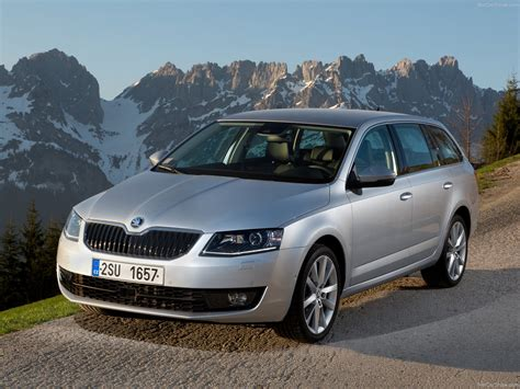 Skoda Octavia Combi (2014) - picture 4 of 125
