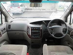 No C699m 2000 Nissan Elgrand Rider