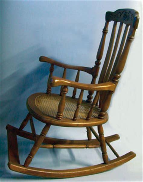 chaise balancoire chaise balancoire table de lit a roulettes