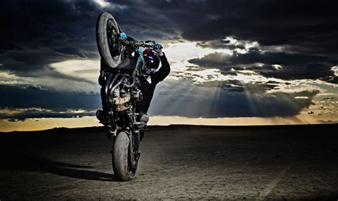 Capturing The Beauty Of Motorcycle Stunt Riding