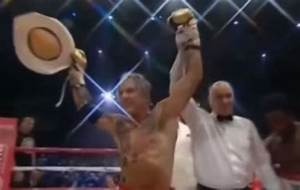 62-year-old Mickey Rourke wins boxing match (Video ...