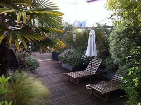 garden   sky modern deck london  cool