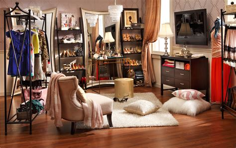 Dressing Room : How To Reinvent The Guest Room-home Is Here