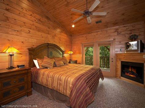5 Bedroom Cabins In Gatlinburg by Gatlinburg Cabin Take Me Away 5 Bedroom Sleeps 19