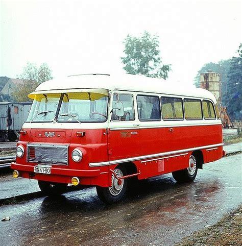 robur  merek bus  berasal  pabrik truk  angkutan berat volkseigener betrieb veb