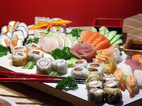 cuisine japonais eat japanese food sushi available everywhere it up