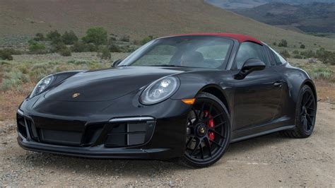 Porche Gts by What The 2017 Porsche 911 Gts Is Missing Is