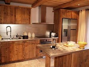 design cuisine chalet vieux bois deco montagne With cuisine en vieux bois