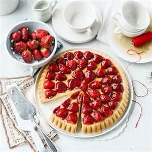 Biskuitboden Blech Erdbeerkuchen : erdbeer biskuit kuchen mit vanillepudding ~ A.2002-acura-tl-radio.info Haus und Dekorationen