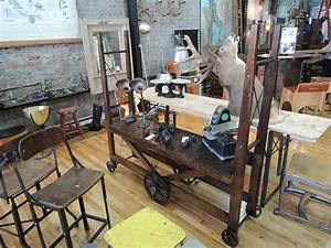 Deco Industrielle Atelier : la boutique style labo montr al le paradis pour ceux qui adorent la d coration industrielle ~ Teatrodelosmanantiales.com Idées de Décoration