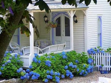 Country Living Cottage Style Decorating, Cottage Gardens