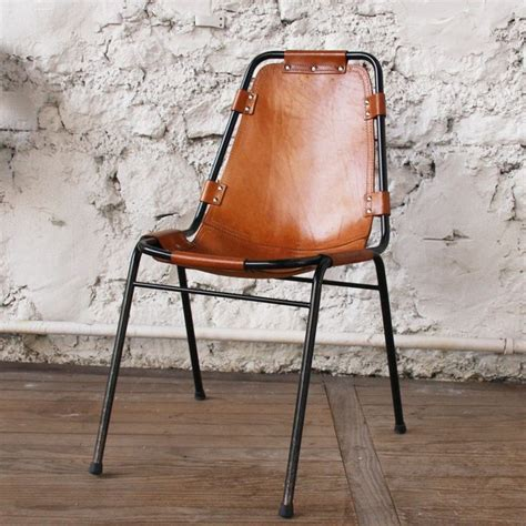 1000 ideas about chaise cuir on chaise en cuir chaise scandinave and chaises pas cher