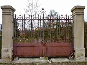portail ancien piliers en pierre pierre et fer forge With portail de maison en fer