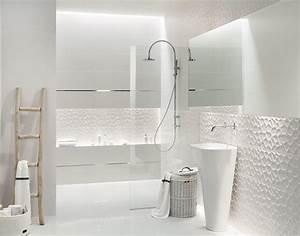 salle de bain noir et blanc ou en tons contrastes en 40 idees With salle de bain toute blanche