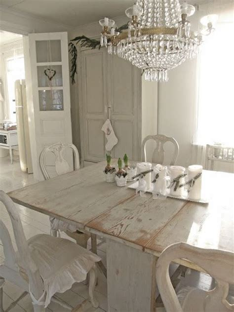Creating A Shabby Chic Dining Room