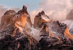 """Fototapete """"Torres del Paine"""" von Komar National Geographic"""