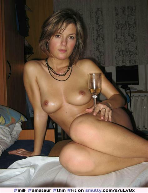 Milf Amateur Thin Fit Smallbreasts Real Natural Eyecontact Retro