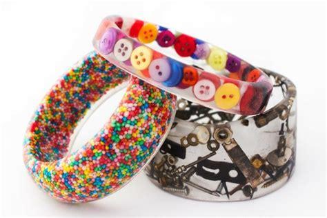 armbänder aus perlen selber machen anleitung basteln aus gie 223 harz anleitung und ideen