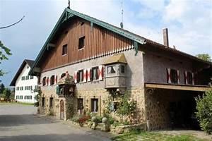 Erker Am Haus : ein erker am haus it dem goldenen dach kunst skulpturen ~ A.2002-acura-tl-radio.info Haus und Dekorationen