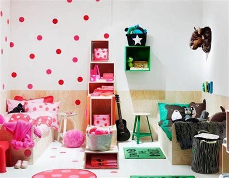 chambre bébé vert et blanc idee deco chambre enfant mixte