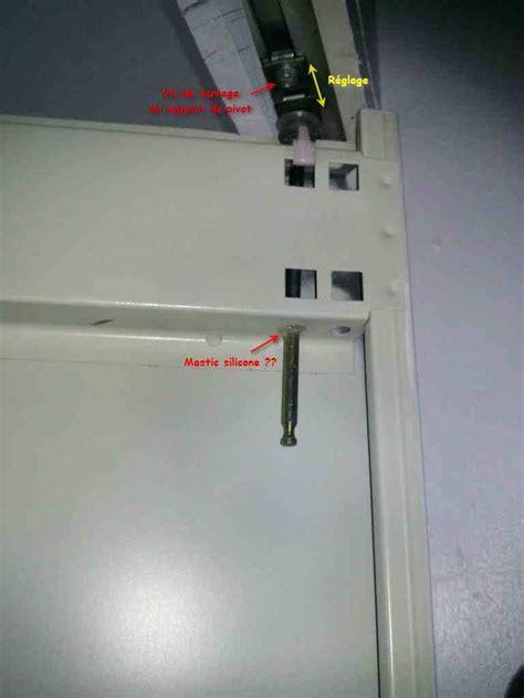 reglage porte de cuisine problème portes pliantes accordéon de placard armoire
