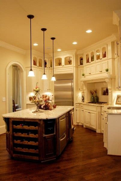 pictures of small kitchen islands 17 best images about kitchen cabinets on 7487