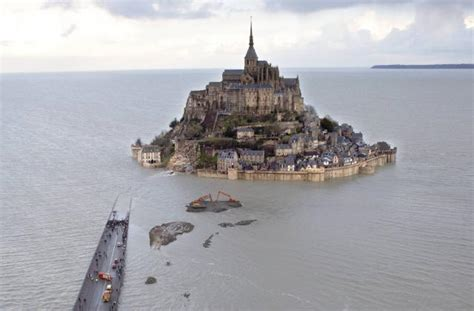 a supertide has turned s famed mont michel into an island this happens every 18