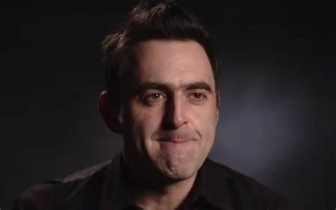 Ronnie O'Sullivan puts on strange robotic voice for ...