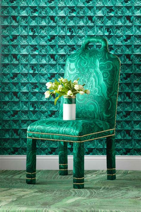 experts tips decorating  emerald traditional home