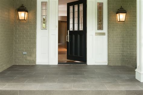 curb appeal   create  eye catching front door