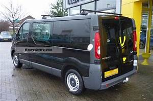 Renault Trafic 2 0 Dci 115 L2h1 With A Trailer Hitch And