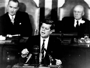 The Decision to Go to the Moon: President John F. Kennedy ...