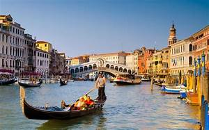 african man left to drown in venice39s grand canal With grand canapé
