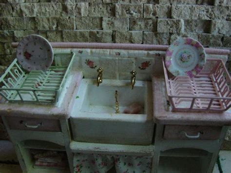 shabby chic dish drainer shabby chic farmhouse dish drainers and dollhouse miniatures on pinterest