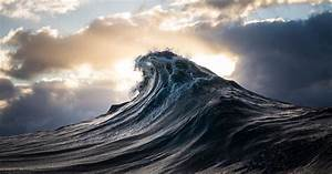 Report Formats Word Guy Turns Ray Collins Wave Photos Into Cinemagraphs And