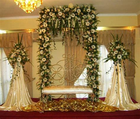 screen decoration at back of altar top 10 altar flower arrangements ideas for weddings