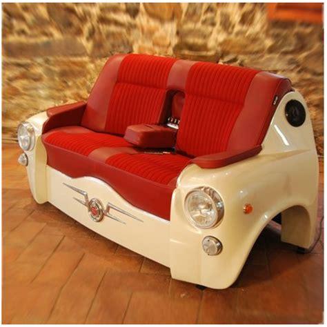 canapé voiture un canapé à partir d 39 un capot de voiture design recyclers