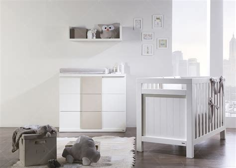 chambre bébé lit commode beautiful commode bebe designe images seiunkel us