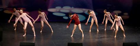 what is contemporary contemporary and modern dance