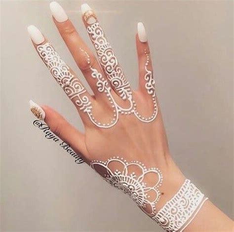 gambar henna tangan cantik simple  sederhana
