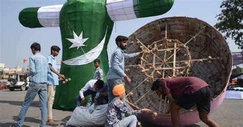 india  day  burn demons singes pakistan