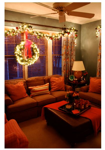 lighted garland   window  holiday favorite
